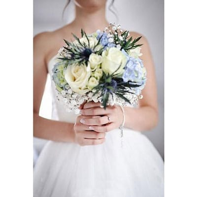 Bulk flowers diy wedding flowers wholesale flowers jr roses bride with bouquet mightylinksfo