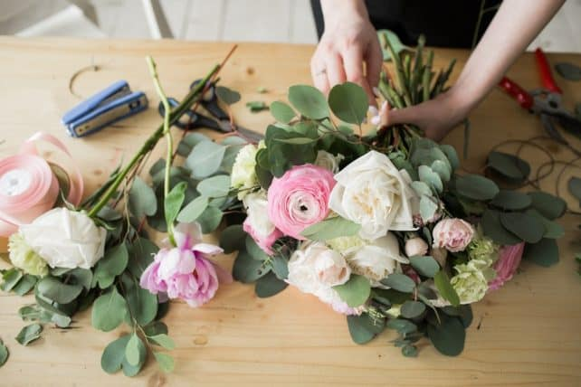 how-to-making-flower-arrangements