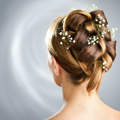 wedding hairstyle with baby's breath flowers