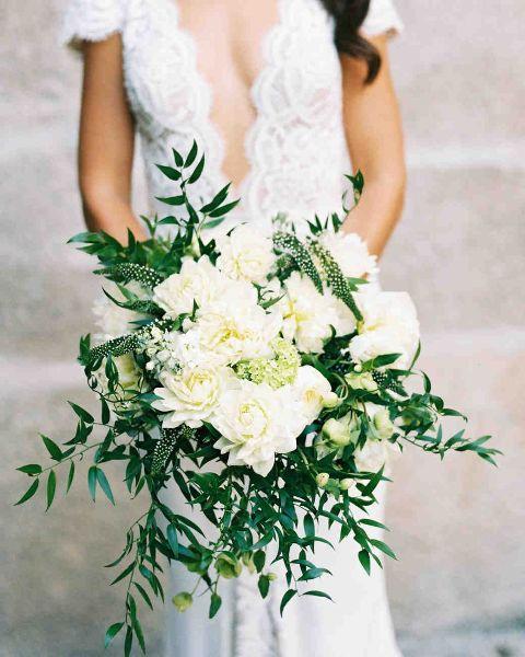 italian-ruscus-bridal-bouquet