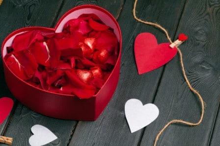 rose-petal-gift-packaging